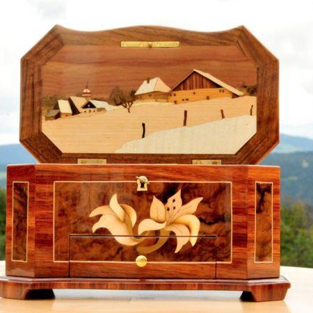 Boîtes à musique en bois marqueté