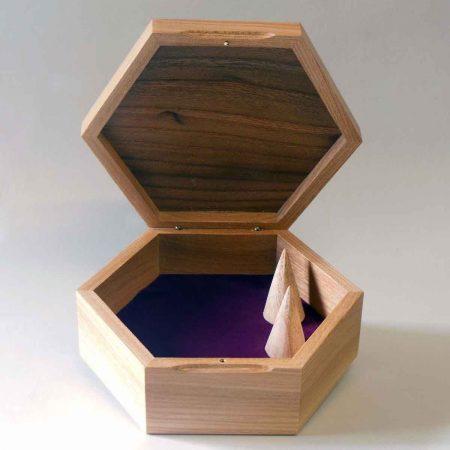 Coffret à bijoux hexagonal ouvert