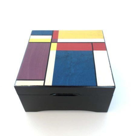 Boîte à musique Couleurs géométriques, décor en marqueterie, réf. Li 3