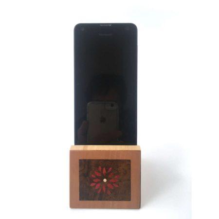 """Support de téléphone en bois """"fleurs"""" réf SP4"""