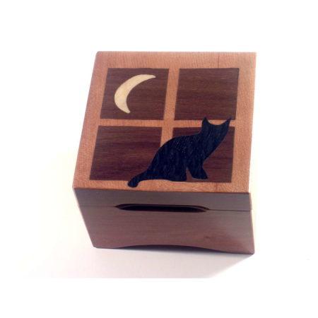 Boîte à musique chat au clair de lune, carrée, décor en marqueterie, réf. C9