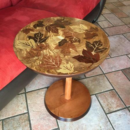 """Table d'appoint en marqueterie """"feuilles d'automnes"""" réf 2"""
